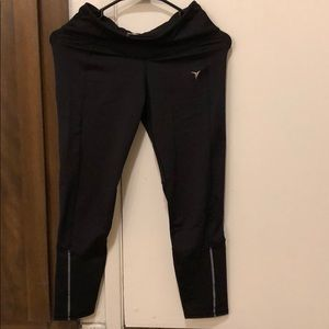 Ankle length Active pants with back zipped pocket
